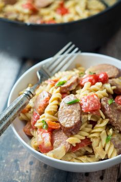 Sausage and Pepper One Pan Pasta Skillet - a one pot wonder dinner! http://thewanderlustkitchen.com/2014/07/16/sausage-pepper-one-pan-pasta-skillet/?utm_campaign=coschedule&utm_source=pinterest&utm_medium=Anetta%20%7C%20The%20Wanderlust%20Kitchen%20(Eats)&utm_content=Sausage%20and%20Pepper%20One%20Pan%20Pasta%20Skillet