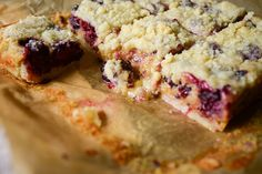 Tasty Kitchen Blog: Blackberry Cobbler Bars. This recipe is just for me: includes step-by-step pictures. Baking for dummies - YES!
