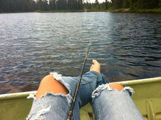 My kinda day :)  Bare feet, old jeans and a fishing pole....PERFECT!