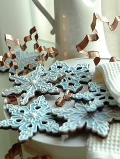 Snowflake Cookies ~(brandoesq.blogspot.com)