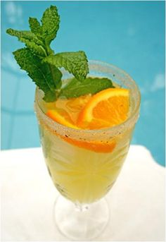 An Orange Crush Cocktail is one of the perfect drinks for summer. Contains orange flavoured Vodka, Cointreau, fresh Orange Juice, sprite or 7Up, & orange twist. All these refreshing ingredients create a very cool drink full of zesty orange flavor. Prep Time: 3 minutes Serving S...