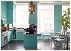 turquois kitchen...did I spell that right???