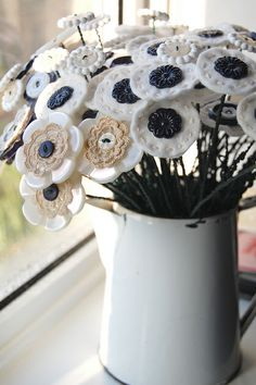button flowers by monda loves..., via Flickr