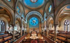 THE MUSEUM AT ELDRIDGE STREET SYNAGOGUE (free tours on Mondays): This restored synagogue, a 19th-century landmark with stunning architecture that initially opened its doors to a wave of Eastern European Jewish immigrants, recently reopened as a vibrant arts and education center for all ages and backgrounds, with exhibitions and tours. Free tours are offered every Monday from 10am to noon.