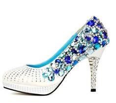 Google képkeresési találat: http://img.alibaba.com/wsphoto/v0/523355198/Luxury-crystal-high-heels-shoes-Shoes-stage-gem-crystal-shoes-shoes-Shoes-Shoes-Banquet-wedding-dress.jpg