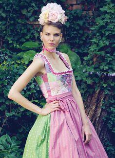 How wonderful is the quilt block bodice?! #dirndl #dress #German #folk #costume #quilt