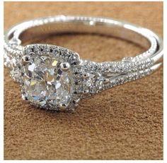 This ring, but Aurora Borilaus stone!