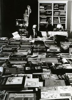 Karl Lagerfeld and his library