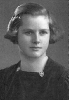 Young Margaret Thatcher (age 15-16?)