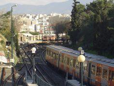 Train reaching Thisio metro station