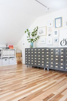 Check out this beautiful attic craft room reveal.  Great office workspace | www.1dogwoof.com