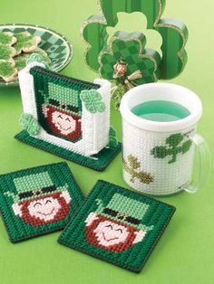 Plastic Canvas - Coaster Patterns - Seasonal & Holiday Patterns - Coasters & Mug Insert