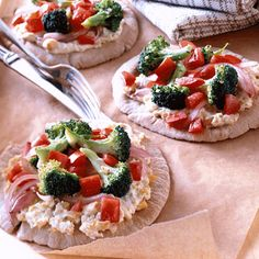 Whole-Wheat Pita Pizzas with Vegetables