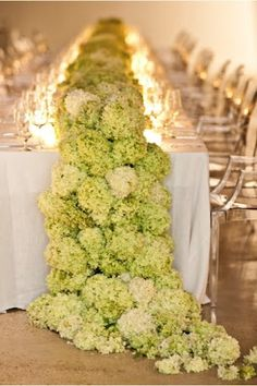 beautiful centerpiece wedding tables, centerpiec, wedding table settings, hydrangea, shade, head tables, long tables, table runners, flower