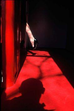 """IlPost - Franco Fontana Amsterdam, 1981 dalla serie """"Presenza Assenza"""" c-print mm 600 x 400 © Franco Fontana - Franco Fontana Amsterdam, 1981 dalla serie """"Presenza Assenza"""" c-print mm 600 x 400 © Franco Fontana"""