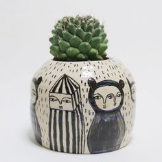 ✖✖✖ Creatures Traveling from faraway – Ceramic Pot ✖✖✖