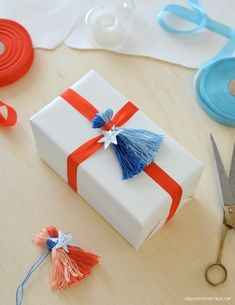 Quick DIY: Festive Tassel Napkin Ties  Gift Toppers