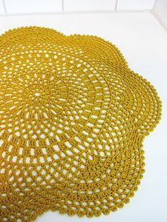Crochet Doily - free pattern!