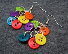 button dangle earrings diy supplies: buttons: http://www.ecrafty.com/c-757-buttons.aspx jump rings: http://www.ecrafty.com/c-201-jump-rings-split-rings.aspx ear wires: http://www.ecrafty.com/c-153-earring-wires.aspx earring diy, button earrings diy, jewellery buttons, dangl earring, diy dangle earrings, diy bead earrings, beaded earings diy, diy jewelry earrings, diy earrings