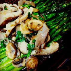 Dinner: Roasted Asparagus with Wild Mushrooms