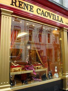 Rene Caovilla in London