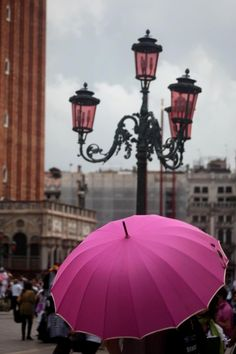 umbrellas, color, pari, lamp, venice italy, pink umbrella, place, april showers, rain
