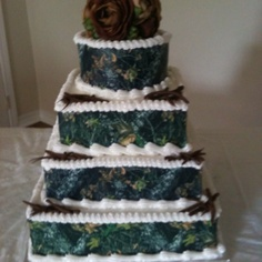 Mossy Oak Camo Wedding Cake    @Amy Soutter