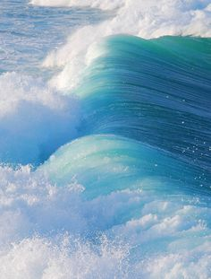 Rolling waves, surf, turquoise sea