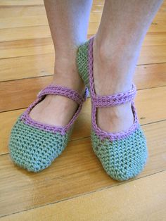 Free pattern for crocheted Mary-Janeslippers