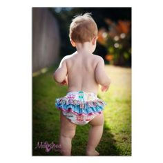 Bettsy Kingston - Baby Ruffle Pants pattern - Fabrics4u2