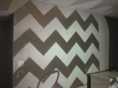 Chevron wall using a overhead projector