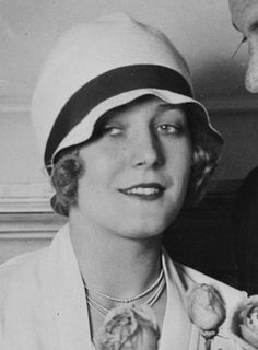 Vilma Bànky with a cloche hat, 1927 #icon #vintage #inspiration #oldstyle