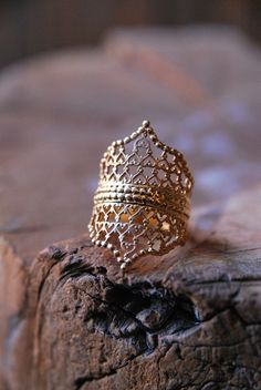 Stacked Lace Crown Ring