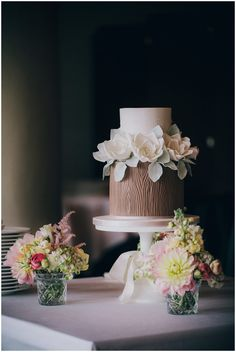 Exquisite Wood Textured Two-Tiered Cake | Birthday Cake, Engagement Cake, Flower Cake, Wedding Cakes | Beautiful Cake Pictures