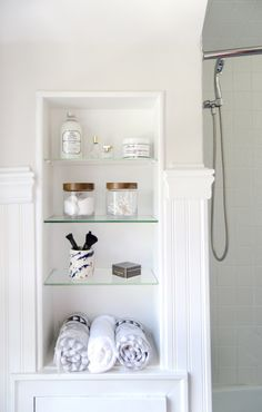 Bathroom shelf styli