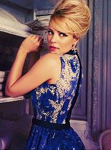 Rachel McAdams - working a fierce retro up-do and winged liner