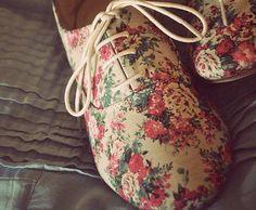 fashion, floral prints, floral patterns, oxford shoes, sneaker, flower prints, woman shoes, blog, flower patterns