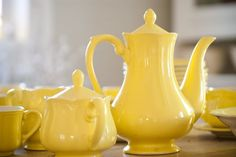 yellow dishes  : )