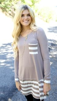 This adorable top is PERFECT for those leggings this fall!! Also available in navy!!