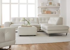 Contemporary tufted leather sofa #natuzzi