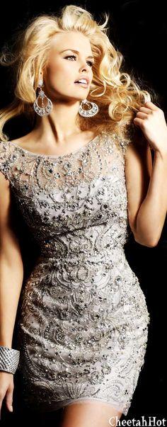 "SHERRI HILL - Authentic Designer Stunning Dress - Nude/Silver ✮✮""Feel free to share on Pinterest"" ♥ღ www.fashionupdates.net"