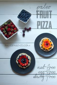 Paleo Fruit Pizza. #paleo #healthy #snacks