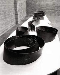 Richard Serra A maquette....... Mmmmm want it!!!