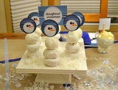 doughnut snowmen with printable toppers! Cute idea for school Christmas party.