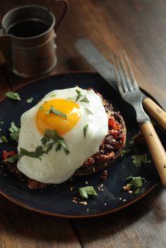 Chorizo Hash Stuffed Breakfast Mushrooms with Egg ( http://www.countrycleaver.com/2013/09/chorizo-hash-stuffed-breakfast-mushrooms-with-egg.html )