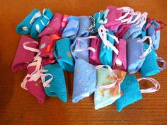 DIY: Soap purse, made with a washcloth. Great idea for a girl shoe box item!