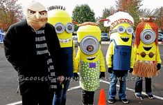 Dispicable Me Group Costume: Gru and his Minions!... Coolest Halloween Costume Contest