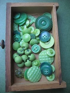 clothes crafts, vintage buttons, old drawers, color, blue green, green button, vintage green, shades of green, button button