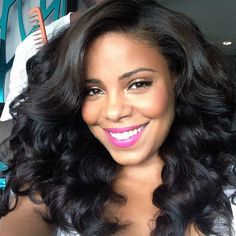 VA-VA-VOOM!  Who's been playing with their flexi-rods lately? #flexirods #curls #wavyhair #onyc #onycbody2wavy #sanaalathan  Buy here >> bit.ly/1k2n3C8