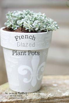 French glazed plant pots via somuchbetterwithage.com #diy #planters #plantpots #gardening #painting